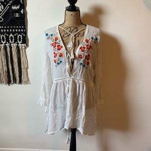 Glamorous Flowy Top in Cream Embroidered
